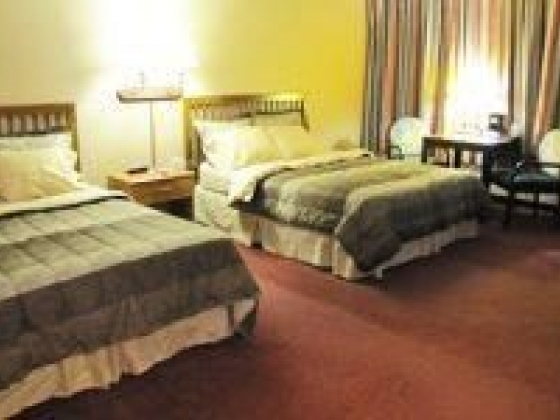 Clean, comfortable rooms at Motel Raine in Valentine, Nebraska